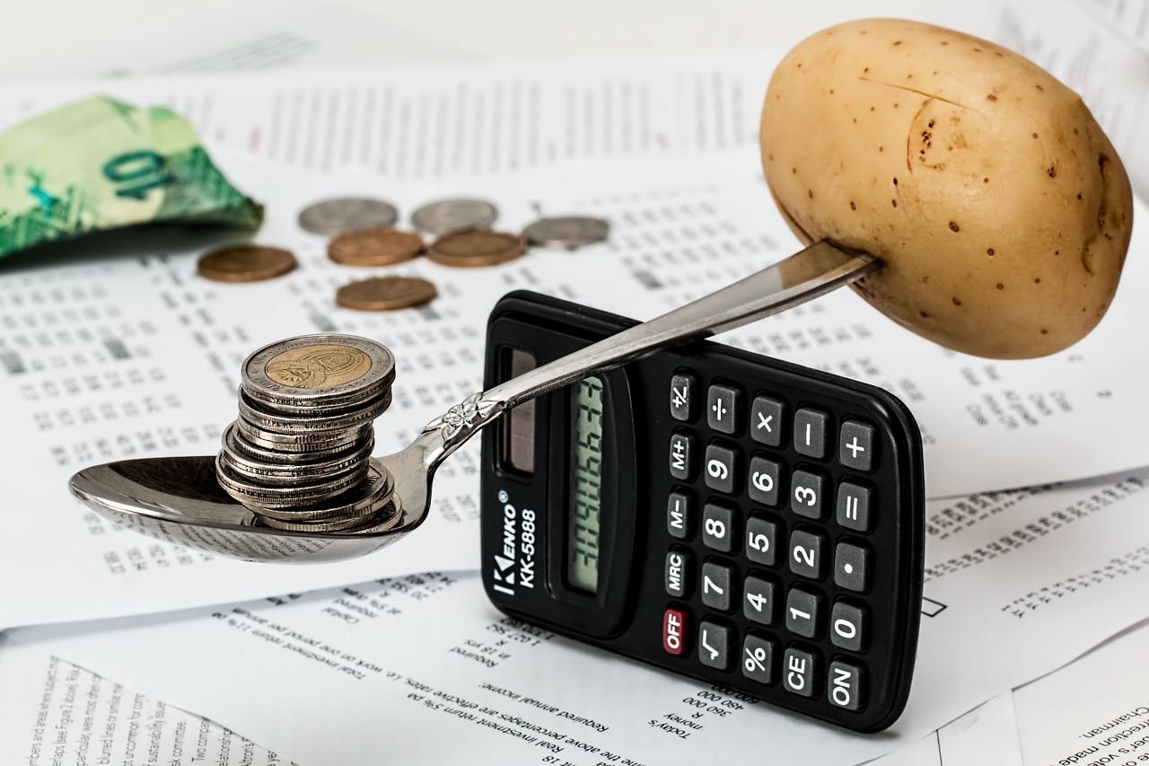 家計管理アプリ(マネーフォワード)を活用して収入・支出を把握する