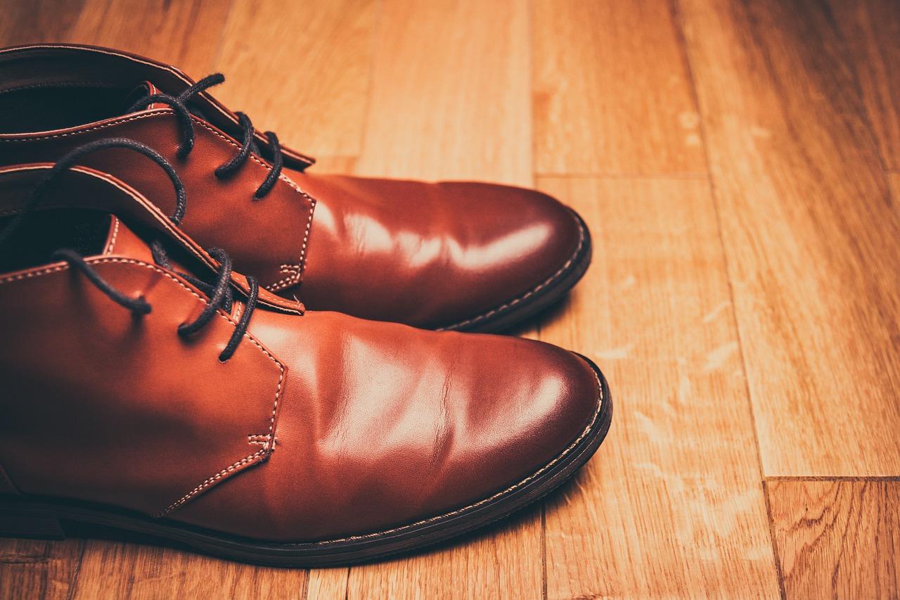 靴の必要数を確認し捨てる(4足→3足)